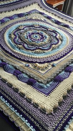 Ravelry: Project Gallery for Rosslyn pattern by Helen Shrimpton Rosslyn is a celebration of the Divine Feminine. Crochet Mandala Pattern, Crochet Circles, Granny Square Crochet Pattern, Crochet Stitches Patterns, Crochet Squares, Crochet Afghans, Crochet Blankets, Manta Mandala, Granny Square Häkelanleitung