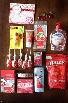 - A girl and a glue gun - Colorful gift basket ideas! – A girl and a glue gun Colorful gift basket ideas! – A girl and a glue gun Simple Gifts, Cool Gifts, Best Gifts, Craft Gifts, Diy Gifts, Themed Gift Baskets, Raffle Baskets, Theme Baskets, Girl Gift Baskets