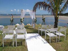Love this ceremony set up