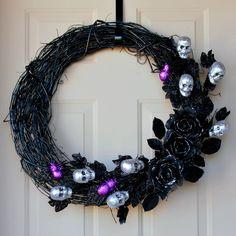 A simple tutorial to create a Halloween wreath with a spooky, glam feel.