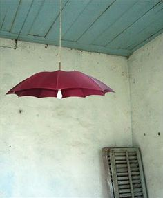 repurposed umbrella lamp (I bet I could use antique umbrellas/parasols!