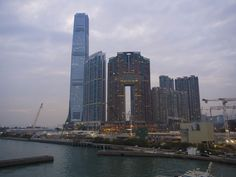 ICC, tallest building in #HongKong. | FourStars Stage in Cina