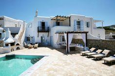 Una preciosa casas en Mykonos donde el estilo griego en la decoración nos conquista paso a paso....