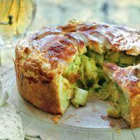 recipes vegan Stilton, leek and potato pie Stilton, leek and potato pie Vegetarian Pie, Vegan Pie, Vegetable Pie, Good Food, Yummy Food, Tasty, Potato Pie, Vegetable Dishes, Vegetable Recipes
