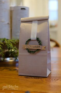 Pretty #Packaging: DIY Mini Wreaths for use on gift bags.