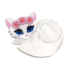 Peppy Chapette Flower Queen Kitten brooch in white and blue. Made in Melbourne by Louisa Camille