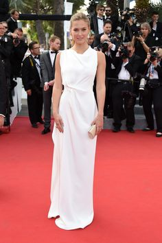 a beautiful girl, in a beautifully tailored dress = perfection // cannes2015, Bar Refaeli (via HarpersBAZAAR.com)