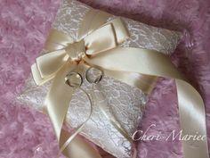 RP-16:ドラマティックリボン・シャンパンリングピローキット【リングピロー手作りキット&完成品通販シェリーマリエ】 Ring Pillow Wedding, Gift Wrapping, Wedding Rings, Bridal, Pillows, Gifts, Happy, Toss Pillows, Boyfriends