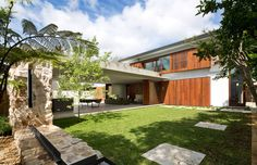Hunters Hill House (Syd) - Architect: http://www.arkhefield.com.au/projects/hunters-hill/#sthash.VLMhq6WW.dpbs