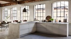 A Linear Edge warehouse kitchen design Warehouse Kitchen, Warehouse Apartment, Loft Kitchen, Open Kitchen, Kitchen Decor, Kitchen Windows, Kitchen Ideas, Warehouse Plan, Beige Kitchen