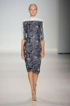 Outfit: 3    Tadashi Shoji