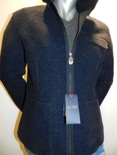 Giacca #Armani in lana cotta con interno neoprene made in italy. 51% poliestere, 45% lana, 4% acrilica , cappucio staccabile, tasche applicate, interno verde militare.  € 270.00. www.montibellereshop.it