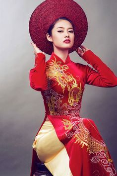 Viet ao dai. Red and gold with dragon #wedding