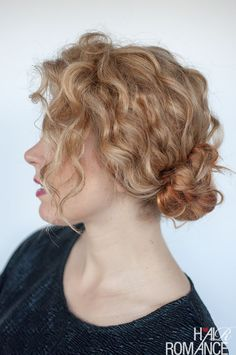 The best curly hairstyle tutorials for frizzy hair - Hair Romance - - One of my most frequently asked questions is what to do with frizzy, curly hair so here are my best hairstyle tutorials for curly hair. Curly Bun Hairstyles, Curly Hair Updo, Curly Hair Tips, Short Curly Hair, Curly Hair Styles, Frizzy Hair, Thick Hair, Wedding Hairstyles, Hair Buns