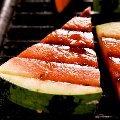 Not unlike grilled peaches and grilled pineapple, grilling watermelon not only changes the texture of the fruit, it also lends a smoky flavor and brings out the natural sweetness. We love it in this simple preparation, but it would also be super delicious Grilled Watermelon, Grilled Fruit, Grilled Peaches, Watermelon Dessert, Grilled Desserts, Watermelon Salad, Grilling Recipes, Cooking Recipes, Healthy Recipes