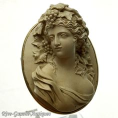 14K gold Antique Museum Quality large 3D-high-relief caved Lava cameo brooch
