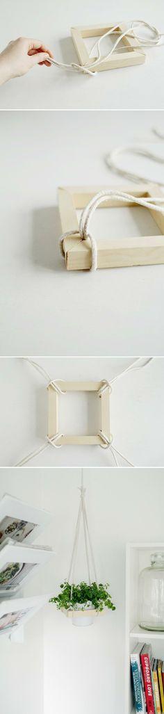 Macetero nórdico colgante con 4 listones y una cuerda | Manualidades