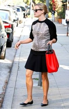 I always love Reese Witherspoon's style. she kills it with her simplicity