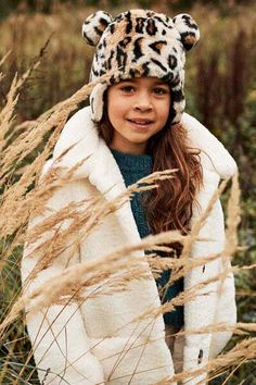 Fashionable de winter door! Zie jij jouw youngster al met deze super toffe warme muts naar buiten gaan? #barts #winter #muts #print #luipaard #girlslook #fashion #kids #kinderkleding #meisjes #look Fake Fur, Fashion Kids, Winter Hats, Nature, Outfits, Clothes, Style, Pom Poms, De Stijl