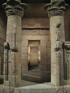 Metropolitan Museum - ancient Egypt - Temple of Isis of Dendur, 15 B.C. The Temple was a gift from Egypt for the American contribution in the international campaign to save ancient Nubian monuments.