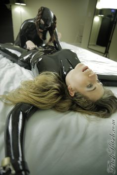 Latex ,feet and hot babes!!!