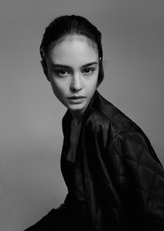 Courtney Eaton Shot by Romain Duquesne For Oyster Fashion: Ruby Heery Beauty: Molly Oakfield Abbey Lee Kershaw, Beauty Photography, Portrait Photography, Courtney Eaton, Oyster Magazine, Just Girl Things, Black And White Portraits, Mad Max, Portrait Inspiration