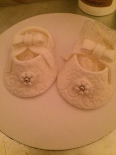 Fondant baby shoes. I think I did a good job for a first try.