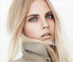 Cara Delevingne for Burberry make-up