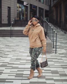 camo pants and oversized hoodie for women. designer bag and shades. Camo Fashion, Dope Fashion, Black Girl Fashion, Fashion Killa, Fashion Outfits, Fashion Ideas, Camo Pants Outfit, Jean Jacket Outfits, Hoodie Outfit