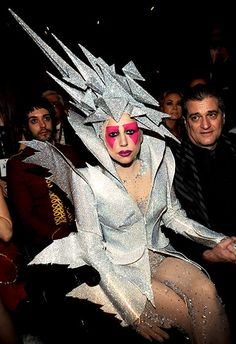 Lady Gaga attends the Annual GRAMMY Awards held at Staples Center on January 2010 in Los Angeles, California. Lady Gaga Dresses, Lady Gaga Outfits, Lady Gaga Fashion, Fashion Fail, Weird Fashion, Pop Fashion, High Fashion, Lady Gaga Looks, Musica Lady Gaga