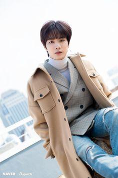 Charming eye-contact of JR (Nu'est W) Who : JR (Nu'est W) Shinee, Jonghyun, Nuest Kpop, Ioi Nayoung, Rapper, Nu'est Jr, Charming Eyes, Nu Est Minhyun, Love U So Much