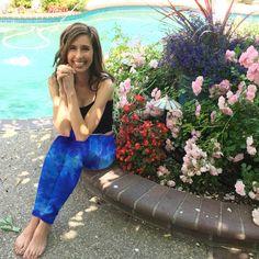 Lapis Blue Tie Dye Yoga Leggings 30 Inseam in Sizes Hand Dyed in the USA by Splash Dye Studio Tie Dye Colors, Blue Tie Dye, Blue Leggings, Yoga Leggings, Tie Dye Bags, Tie Dye Outfits, Online Yoga, Yoga Clothing, Morning Yoga