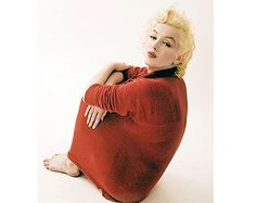 Connecticut - The Red Sweater - Milton Greene - Divine Marilyn Monroe Marilyn Monroe Wall Art, Marilyn Monroe Photos, Marylin Monroe, Milton Greene, Celebrity Photographers, Norma Jeane, Beautiful Soul, Red Sweaters, Connecticut