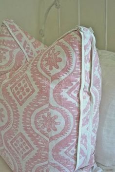 gorgeous double flange pillow detail -- need to learn how to make this detail. It really heightens the sophistication factor to homemade pillows! Pink Wallpaper, Fabric Wallpaper, Custom Pillows, Decorative Pillows, Homemade Pillows, Pillow Box, Pillow Talk, Big Girl Rooms, New Blue