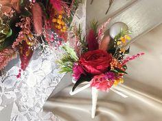 新郎様のブートニア ブーケとお揃いでの可愛らしくオシャレに制作させていただきます!  オーダー承ります◟́◞̀ Floral Wreath, Wreaths, Table Decorations, Home Decor, Flower Crowns, Door Wreaths, Deco Mesh Wreaths, Interior Design, Home Interior Design