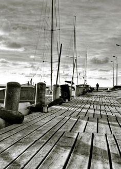 Black and white photography, Seascape wall decor, Nautical photography, Ocean photography, Black and white art, 5x7(13X18 cm). €13.00, via Etsy.