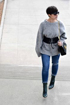 The Corset Belt: How to Wear it and 5 Options under $30 | Blogger Not Billionaire