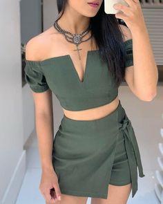 V-neck Off Shoulder Shorts Sets Cute Casual Outfits, Short Outfits, Stylish Outfits, Dress Outfits, Casual Dresses, Summer Outfits, Girl Outfits, Fashion Dresses, Trend Fashion