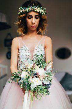 Um casamento DIY: Bruna + César Bridesmaid Dresses, Wedding Dresses, Diy, Fashion, Ring Boy, Bride Groom Dress, Vestidos, Fotografia, Bridesmade Dresses