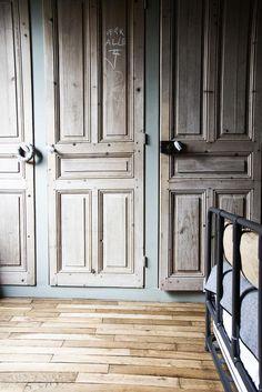 portes bois ancien vintage Laure Vial du Chatenet Doors for master bedroom cupboards??