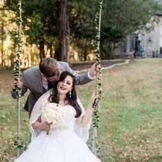 #outdoorwedding #fallwedding #castlewedding #weddingphotoidea #thesterlingcastle #alabamaweddingvenue #southernwedding