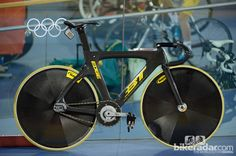 Fixed Wheel Bike, Fixed Gear Bike, Track Cycling, Cycling Girls, Bordeaux, Cat Races, Giant Bikes, Speed Bike, Bicycle Components