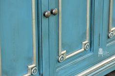 Gorgeous Nickel Metallic Paint Accents over Aubusson Blue Chalk Paint® | Project by Vintage Charm Restored