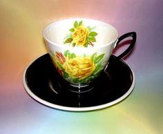 ✿ڿڰۣ(̆̃̃❤Aussiegirl  #China #Charm  Royal Albert Tea Rose -  Black