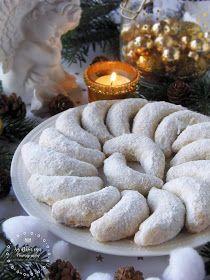Az otthon ízei: Szilvalekváros hókifli Healthy Desserts, Dessert Recipes, Hungarian Recipes, Small Cake, Cake Cookies, Biscuits, Muffins, Bakery, Recipies