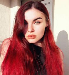 Babe is shining in our Mars Pack - try our 3 red shades for the ultimate deep red! Dark Orange Hair, Burgundy Hair Dye, Bright Red Hair, Red Hair Color, Red Long Bob, Short Red Hair, Long Thin Hair, Dark Brunette Balayage, Red Hair Looks