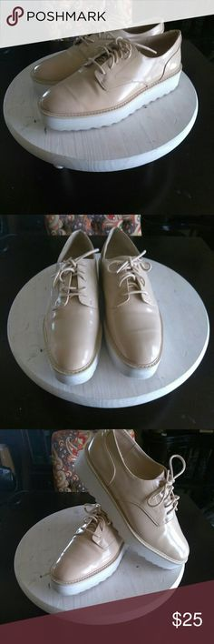 JUST IN!!! Zara- Cream Smooth Leather Platform Talk about a everyday shoe!!! These beautiful Zara Platforms, are all of that and can be worn anyway you desire and always look great😎😊1.5in White Platform, very comfortable to wear and great condition inside and out!!! Let's make some offers Ladies!!!😉😊😎😍👠 Zara Shoes Platforms