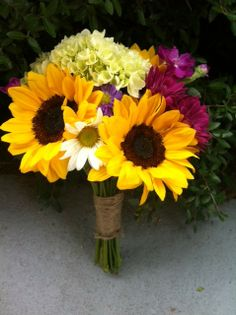 sunflower and hydrangea bouquet | mothers posy bouquets | country wedding flowers | country chic wedding