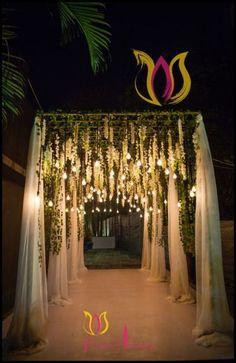 Wedding decorations indian New Ideas – Wedding Decor Wedding Reception Themes, Diy Wedding Backdrop, Wedding Stage Decorations, Wedding Mandap, Diy Backdrop, Wedding Centerpieces, Wedding Venues, Indian Reception, Wedding Pergola