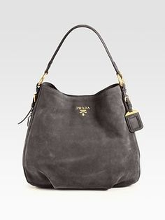 Prada - Scamosciato Hobo, grey is a great alternative to the classic black, will go with everything! Especially pink. Diese und weitere Taschen auf www.designertaschen-shops.de entdecken